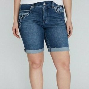 Melissa McCarthy Seven7 embroidery jean shorts